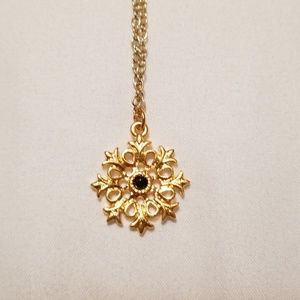 Jewelry - Gold Tone Snowflake Necklace